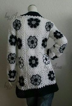 crochet jacket <3 crochet cardigan granny squares- african flowers  www.pinterest.com/Maschenraabe/selfmade-crochet/