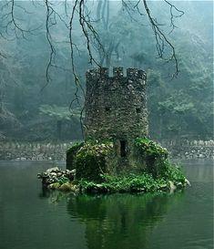 Scotland - an under water castle  ...for the MERMAIDS!! SCOTTISH MERMAIDS!! Scotland