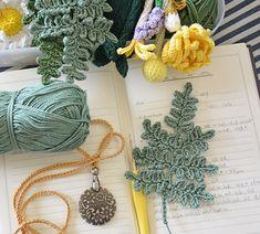 Crochet Tiny Fern Leaf – CrochetObjet by MoMalron Crochet Leaf Patterns, Crochet Leaves, Knitted Flowers, Crochet Motif, Crochet Designs, Yarn Flowers, Loom Patterns, Crochet Shawl, Cute Crochet