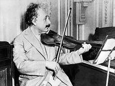 6 anécdotas curiosas sobre Albert Einstein: http://www.muyinteresante.es/historia/articulo/seis-anecdotas-curiosas-sobre-albert-einstein-551366278510 #ciencia #Einstein