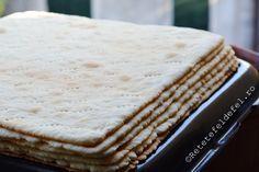 FOI PENTRU PRAJITURI | Dessert Cake Recipes, Dessert Bars, Cookie Recipes, Romanian Desserts, Romanian Food, Layered Desserts, Just Bake, Bread And Pastries, Food Cakes