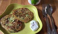 Die Zucchinipfannkuchen sind bei uns der Renner am Familientisch: Pfannkuchen schmecken nämlich immer und kombiniert mit Zucchini sind sie auch noch gesund!