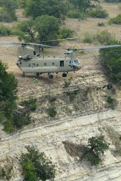 The Boeing Chinook is a twin-engine, tandem rotor heavy-lift helicopter. Best Helicopter, Attack Helicopter, Military Helicopter, Military Guns, Military Aircraft, Military Humor, Boeing Ch 47 Chinook, Chinook Helicopters, Fighter Aircraft