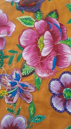 Hand Embroidery Art, Embroidery Monogram, Silk Ribbon Embroidery, Embroidery Stitches, Embroidery Patterns, Applique Templates, Thread Painting, Brazilian Embroidery, Sewing Pillows