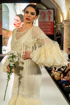 flamencuraweb.com | Ángeles Ramírez en Córdoba Ecuestre & Flamenco Fashion 2016 Macrame, Ethnic, Dresses, Fashion, Fringes, Flamenco Dresses, Crochet Edging Patterns, Crochet Dresses, Scarves