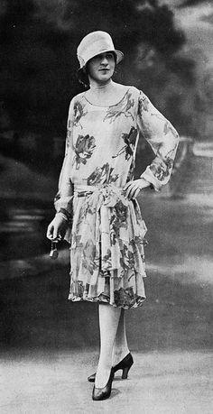 Les Modes (Paris) July 1926 robe d'apres-midi par Marthe Wingrove