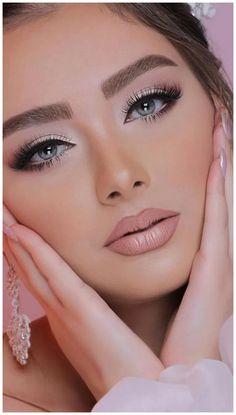 glamorous wedding makeup Top Rose Gold Makeup Ideas To Look Like a Goddess GALA Fashion Glam Makeup, Rose Gold Makeup, Clown Makeup, Blue Eye Makeup, Bride Makeup, Smokey Eye Makeup, Pretty Makeup, Makeup Looks, Costume Makeup