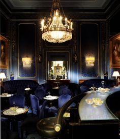Bar of the Hotel Sacher Wien, Vienna, Austria Lobby Bar, Hotel Lobby, Restaurant Hotel, Restaurant Design, Restaurant Lighting, Sacher Wien, Piscina Hotel, Places, Ideas