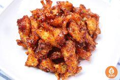 차례지내고 남은 북어포 맛있게 활용하는 법 Korean Dishes, Korean Food, Tandoori Chicken, Soups And Stews, Chicken Wings, Food And Drink, Meat, Cooking, Ethnic Recipes