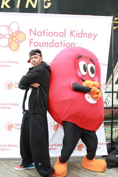 Nick Cannon joined Sidney the Kidney at the 2012 NYC Kidney Walk. Join a Kidney Walk near you: www.kidneywalk.org