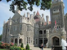 Summer in Ontario. Toronto Jazz Festival, Musical Evenings in Casa Loma Visit Toronto, Toronto Ontario Canada, Toronto City, Amazing Buildings, Amazing Architecture, Castle House, Cathedral Church, Modern City, Culture Travel