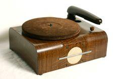 Coronado 43-2027 Phonograph 78 rpm Antique Vintage Tube (1947)