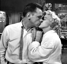 """Tom Ewell & Marilyn Monroe in """"The Seven Year Itch"""" 1955"""