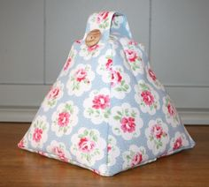 A beautiful handcrafted fabric doorstop perfect to compliment the Cath Kidston Provence Rose collection. This doorstop has been lovingly made from Cath Kidston Provence Rose 'cotton duck' fabric. Doorstop Pattern Free, Free Pattern, Fabric Door Stop, Cath Kidston Fabric, Provence Rose, Door Draught Stopper, Peg Bag, Sewing Studio, Couture