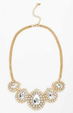 Oh, this is beautiful. Love this sparkly teardrop necklace.