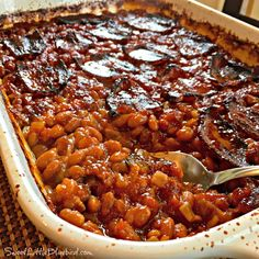 Best-Ever Baked Beans Sweet Little Bluebird.sharing a little happiness with great recipes and more!Sweet Little Bluebird.sharing a little happiness with great recipes and more! Baked Beans From Scratch, Canned Baked Beans, Best Baked Beans, Baked Bean Recipes, Van Camp Baked Beans Recipe, Baked Beans With Molasses Recipe, Crock Pot Baked Beans, Recipe For Baked Beans With Bacon, Bacon Baked Beans