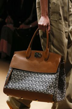 Salvatore Ferragamo Spring 2019 Ready-to-Wear Collection - Vogue Source by alabeaty Bags trend Cheap Handbags, Purses And Handbags, Popular Handbags, Cheap Purses, Small Handbags, Satchel Handbags, Luxury Handbags, Salvatore Ferragamo, Handbag Storage