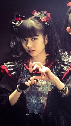 Yuimetal so Kawaii! Why God Why, Moa Kikuchi, Cute Japanese Girl, Female Guitarist, Heavy Metal Bands, Kawaii Fashion, Debut Album, Woman Crush, Girl Crushes