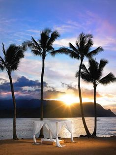 Imagine: cuddling in a cabana, watching the sunset, with this view. We think yes!