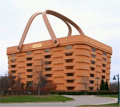 Unbelievable architecture of the world's most amazing buildings. This basket building is: Longaberger Basket Building, Newark, Ohio Unusual Buildings, Amazing Buildings, Amazing Architecture, Creative Architecture, Architecture Design, Amazing Houses, Famous Buildings, Interesting Buildings, Building Architecture