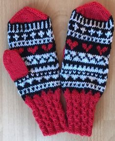 Yarn Projects, Knitting Projects, Knitting Patterns, Crochet Stitches, Knit Crochet, Slipper Boots, Knit Mittens, Gloves, Handmade