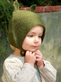 Our modern version of this classic Bolivian bonnet makes the perfect baby shower gift - also great for winter holidays and easter. Available in cozy, warm, hypo-allergenic alpaca for newborns to 6 yrs Knitting For Kids, Knitting Projects, Baby Knitting, Knitting Patterns, Start Knitting, Little People, Little Ones, Little Girls, Knit Crochet