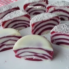 I have a very light, full-sized dessert recipe. Desserts For A Crowd, Sweet Desserts, Sweet Recipes, Dessert Recipes, Turkish Recipes, Frozen Yogurt, Food And Drink, Cooking Recipes, Sweets