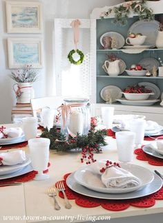 pretty Christmas decorating ideas...Red and White Christmas Dining Room