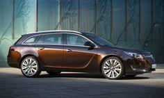 #Opel #InsigniaSportTourer. La wagon adatta a chi a famiglia e a chi è sempre in viaggio per affari. È un auto sicura, dai bassi consumi e con sistema infotainment di ultima genererazione.