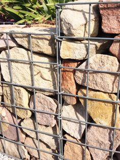 Showing the looped mesh method for joining two panels Gabion Retaining Wall, Building A Retaining Wall, Landscape Concept, Landscape Design, Garden Design, Gabion Wall Design, Gabion Cages, Broken Concrete, Gabion Baskets