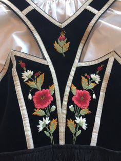 Traditional Dresses, Traditional Art, Folk Costume, Costumes, Scandinavian Embroidery, Going Out Of Business, Nordic Style, Ethnic Fashion, Sewing Hacks