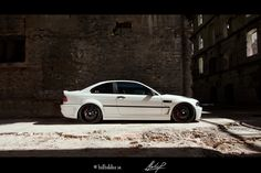 Really digging the painted door strips on this E46 M3!!!