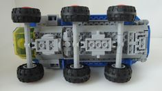 https://flic.kr/p/oCR4AN | NCS Rover | 6x6 suspension with mixels balljoints.
