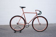 A collation of fixie and track bikes from all across the world. Show us what you're riding! Track Cycling, Speed Bike, Fixed Gear Bike, Vintage Bicycles, Tricycle, Bike Life, Custom Bikes, Cool Bikes, Bmx