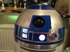 Micke's R2-D2 builder's blog.