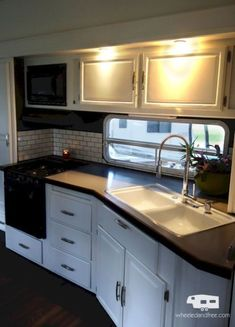 Most motorhome kitchens are much smaller than a standard sticks and bricks house. So when it comes to setting up the kitchen in your motorhome, it can be a chore determining which RV kitchen essentials make the cut and which ones… Continue Reading → Tiny House Living, Rv Living, Living Area, Mobile Living, Living Room, Glamping, Rv Kitchen Remodel, Kitchen Renovations, Camper Kitchen
