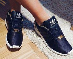 los angeles b235c 04bed Flache Schuhe, Sportschuhe, Moderne Häuser, Mode Schwarz, Trendige Mode,  Extravagante Schuhe