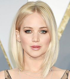 Behold the six best hairstyles and haircuts for thin hair. See all the photos here Haircuts For Thin Fine Hair, Bobs For Thin Hair, Cool Haircuts, Straight Hairstyles, Shaggy Haircuts, Medium Haircuts, Modern Haircuts, Hair Images, Hair Pictures