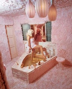 Jayne Mansfield's Pink shag covered bathroom with heart shaped bathtub