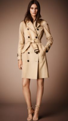 http://us.burberry.com/the-westminster-long-heritage-trench-coat-p39008451   Size 4!
