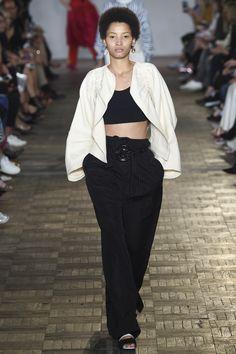 #Sportmax   #fashion   #Koshchenets   Sportmax Spring 2017 Ready-to-Wear Collection Photos - Vogue
