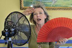 Les problèmes de bouffées de chaleur, toutes les femmes les rencontrent un jour. Symptôme tout à fait naturel, il peut également être atténué par des solutions tout aussi naturelles. En vo...