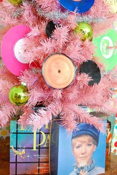 How to fold a vinyl record sleeve to make a gift box by Jennifer Perkins