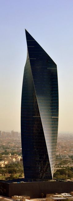 Al Tijaria Tower, Kuwait Trade Center, Kuwait by Al Jazera Consultants :: 41 floors, height 218m