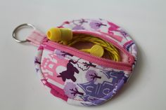 earbud pouch by christina.ree.v, via Flickr