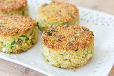Quinoa Cakes flavored with fresh herbs, garlic, and parmesan cheese, pan-fried in olive oil until golden brown on each sides. A great side dish for dinner!