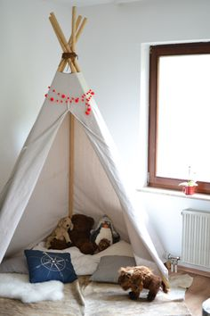 DIY teepee in a budget kids room