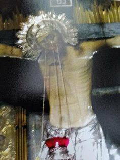 The miracle of the crucified Christ opening his eyes in the Holy Sepulcher Catholic Memes, Blood Of Christ, Holy Week, In The Flesh, Priest, His Eyes, Faith, Pictures, Facebook