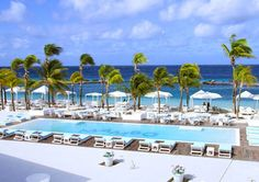 Mambo beach // Entertainment and Nightlife