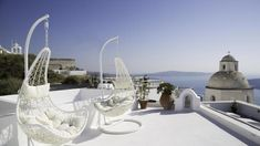 Not sure, where to stay in Santorini? Check these 10 stunning hotels and find the best place to stay in Santorini for your romantic getaway! Hotels In Santorini Greece, Santorini House, Santorini Villas, Amazing Hotels, Best Hotels, Dana Villas, Best Greek Islands, Romantic Destinations, Dream Pools